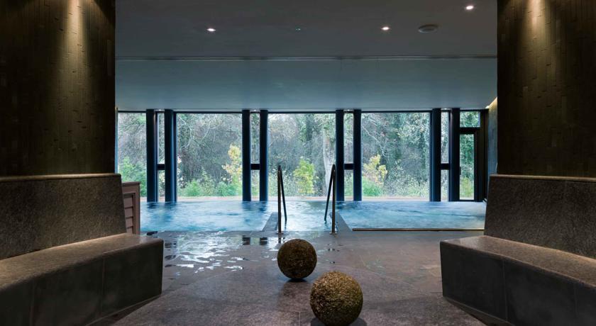Limewood Pool