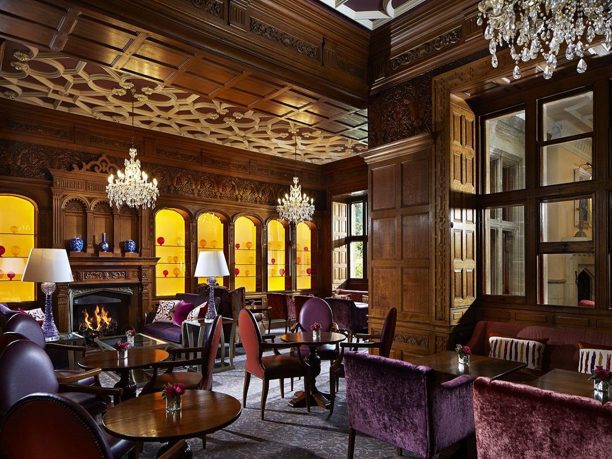 South lodge lounge